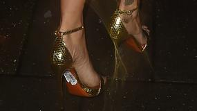 Rita Ora w seksownej sukience nie uniknęła wpadki...