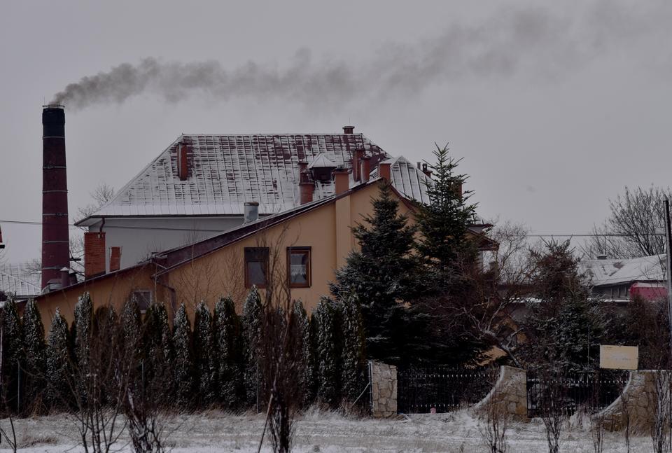 Skałę znów spowił smog