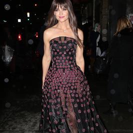 Świetna stylizacja Katie Holmes. Co za sukienka!