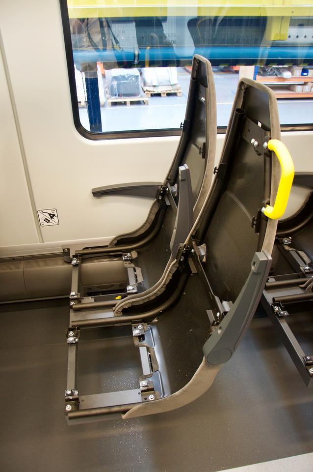 Dolna część foteli jest ruchoma, co pozwala na podróż w nieco wygodniejszej pozycji na dłuższej trasie.