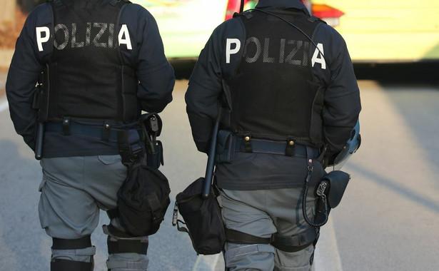 Pod koniec sierpnia imigranci z Afryki zgwałcili w Rimini Polkę i ciężko pobili jej partnera. W ostatni weekend włoska policja zatrzymała dwóch braci-obywateli Maroka w wieku 15 i 17 lat oraz 16-letniego obywatela Nigerii, a także 20-letniego obywatela Konga. Dwaj Marokańczycy sami zgłosili się na policję.