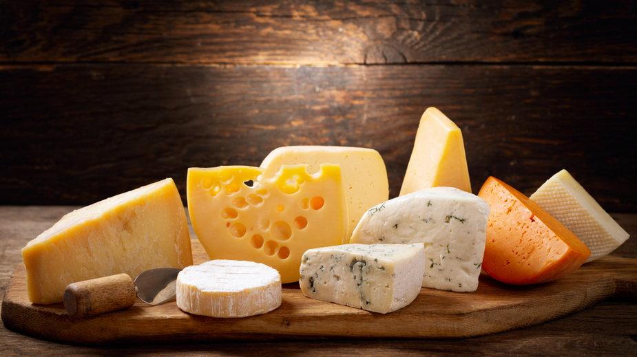 Co się dzieje z twoim ciałem, gdy codziennie jesz ser