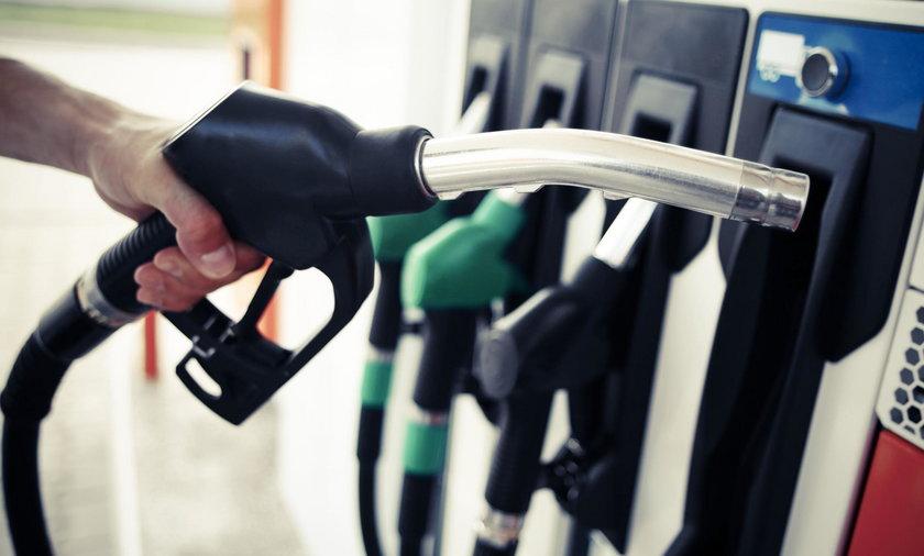Droższe paliwo na Święto Zmarłych? Eksperci alarmują