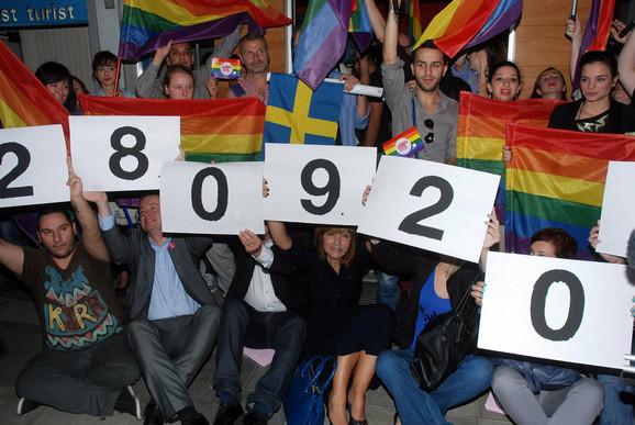 Organizatori Prajda na mirnom protestu, sa datumom sledeće Parade ponosa