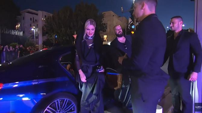Nevena Božović sinoć na otvaranju crvenog tepiha Evrovozije u Tel Avivu