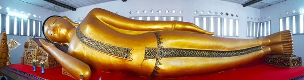 Budda w świątyni Wat Phra Non