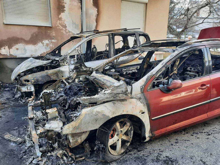 kragujevac zapaljeni automobili 3 foto RAS Nebojsa Raus