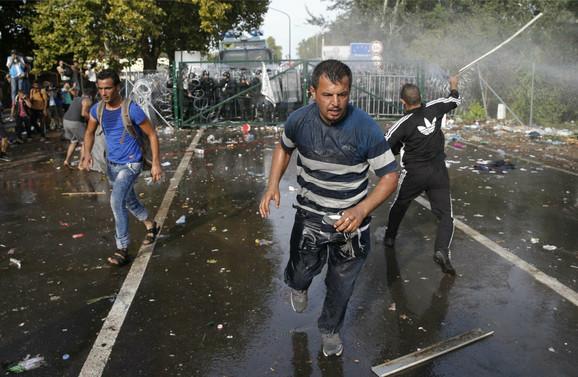 Policija interveniše u blizini mesta Roske na mađarskoj granici