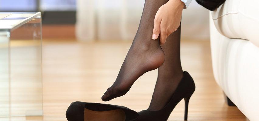 O wysokim poziomie cholesterolu  może świadczyć jeden niezwykły objaw. Spójrz na stopy!