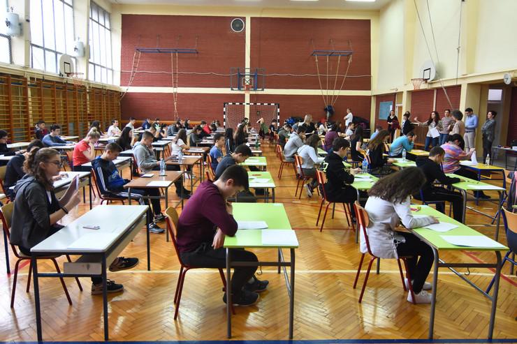 Novi Sad1002 polaganje testa iz srpskog jezika mala matura foto Nenad Mihajlovic