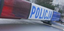 Policjanci uratowali 2-latkę z zamkniętego samochodu