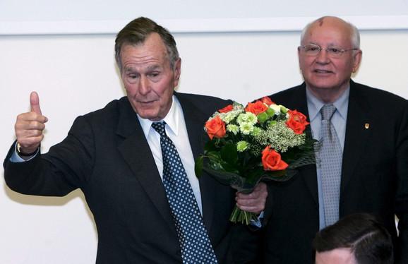 Džordž Buš stariji sa Mihailom Gorbačovom 2005.