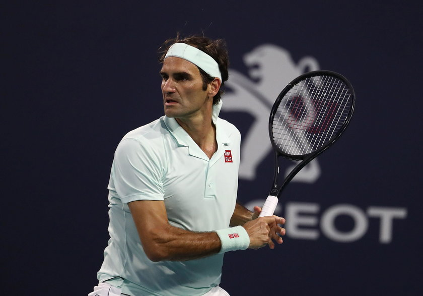 Federer przekazał znaczną kwotę na walkęz epidemią
