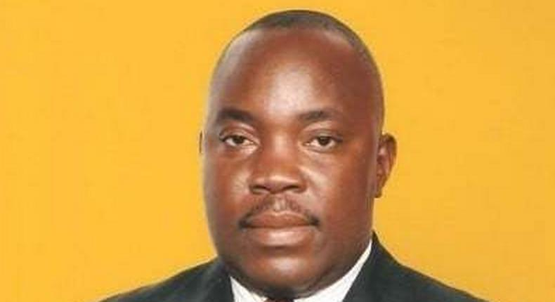 A former Member of Parliament in Malawi, Clement Chiwaya shot himself dead on Thursday in the office of Clerk of Parliament.