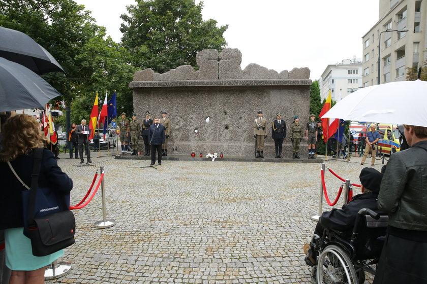 Pomnik poświęcony zamordowanym mieszkańcom