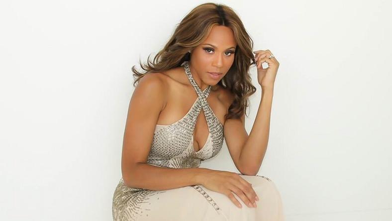 Deborah Cox odda swój głos filmowej Whitney Houston