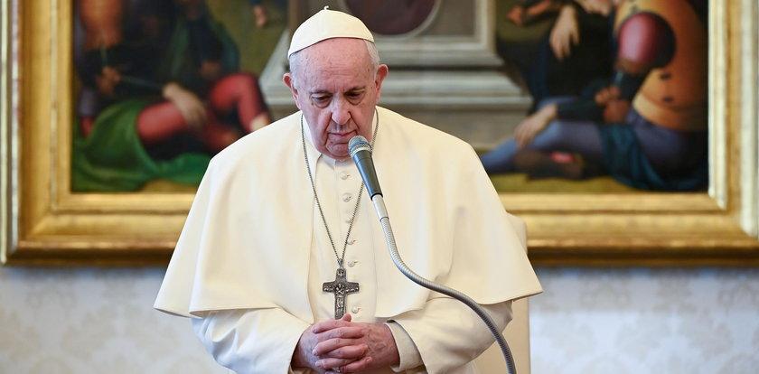"""Papież Franciszek szczerze o swoim stanie zdrowia. Mówi o """"natrętnym gościu"""""""