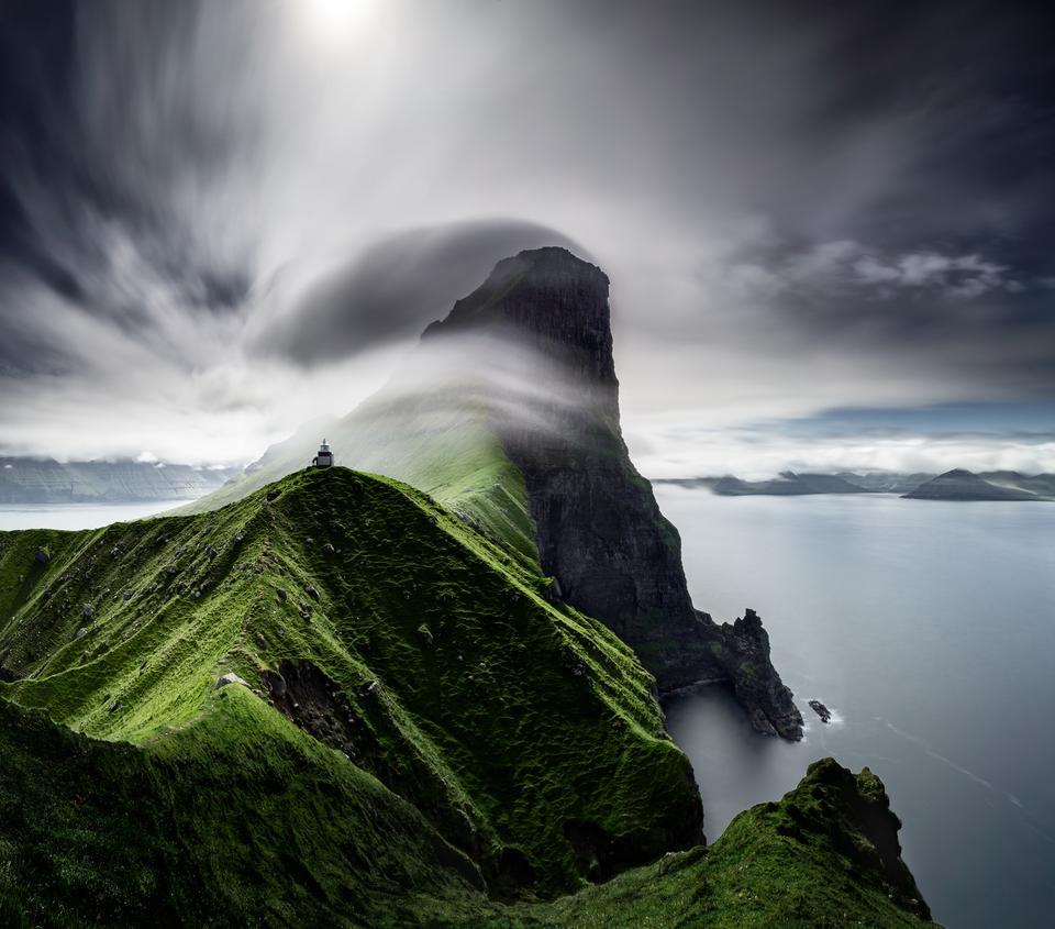 """Kategoria: krajobraz. Zwycięska praca: """"Cliffs of Kallur"""", Janne Kahila, Finlandia."""