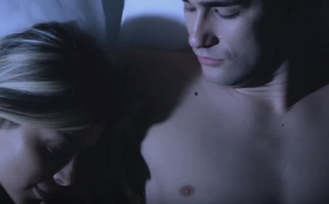Haris i Tijana u sceni iz spota za pesmu