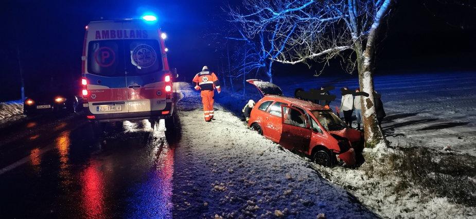 Wypadek drogowy w pobliżu Czaplinka. Poszkodowana kobieta
