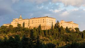 Kontrowersyjna tablica pamiątkowa pod Monte Cassino