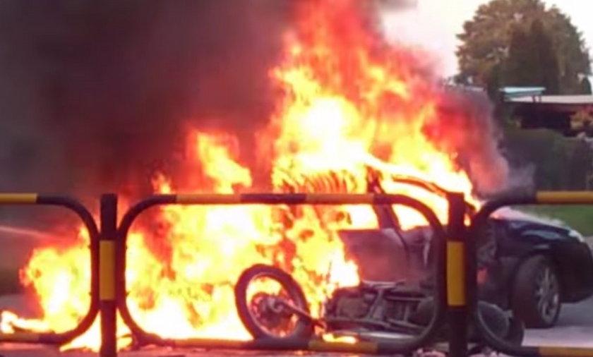 Knurów. Zderzenie renaulta z motocyklem przy ul. 1 Maja