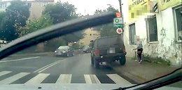 Kamera nagrała bezczelne zachowanie kierowcy terenówki