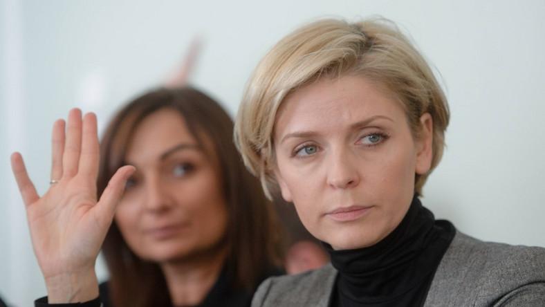 Była minister sportu dołączyła ostatnio do grona kobiet, które zapragnęły radykalnej zmiany wizerunku...