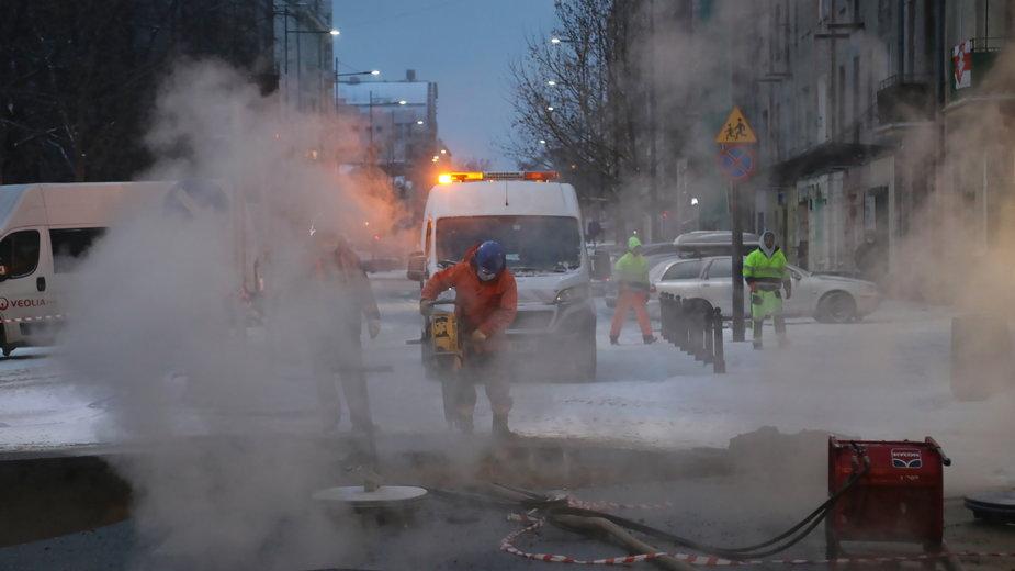 Do kolejnej awarii ciepłowniczej doszło w sobotę na warszawskiej Pradze Północ