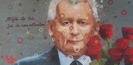 Mural z Jarosławem Kaczyńskim zniszczony. Autor zabrał głos