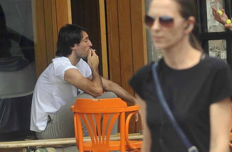 646682_cigarete-stefan-babovic-paparaco270715ras-foto-oliver-bunic-01