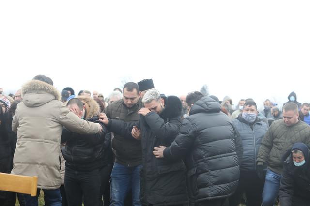 Darko Lazić, sahrana oca u Brestaču