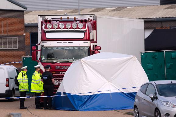 HLADNJAČA SMRTI PROŠLA  KROZ SRBIJU? Bugarski kamion do Engleske prešao preko pola Evrope, sumnjaju da se 39 ljudi unutra SMRZLO NA SMRT