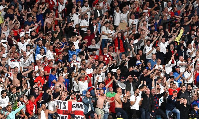 Euro 2020 i pandemia: ekspertów niepokoją otwarte stadiony.