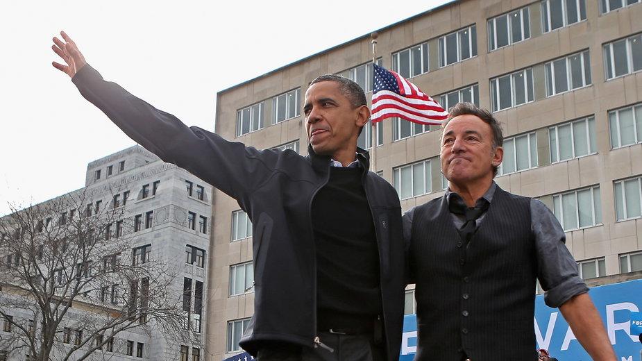 Barack Obama i Bruce Springsteen podczas jednego z ostatnich dni kampanii prezydenckiej w 2012 r.