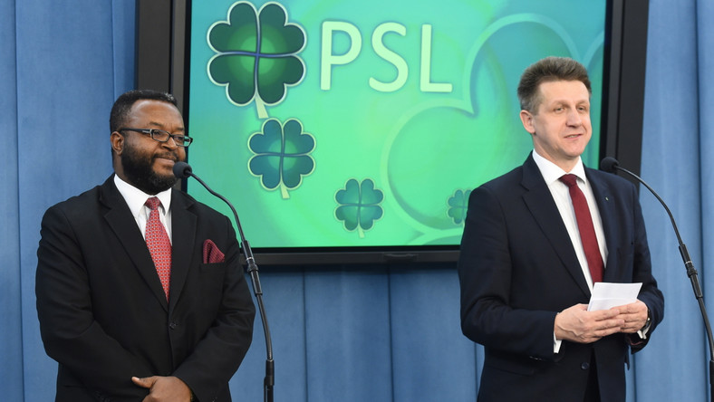 Szef KP PSL Jan Bury oraz nowy poseł ludowców John Godson