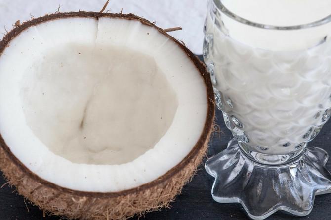 Možete sami da pripremite kokosovo mleko