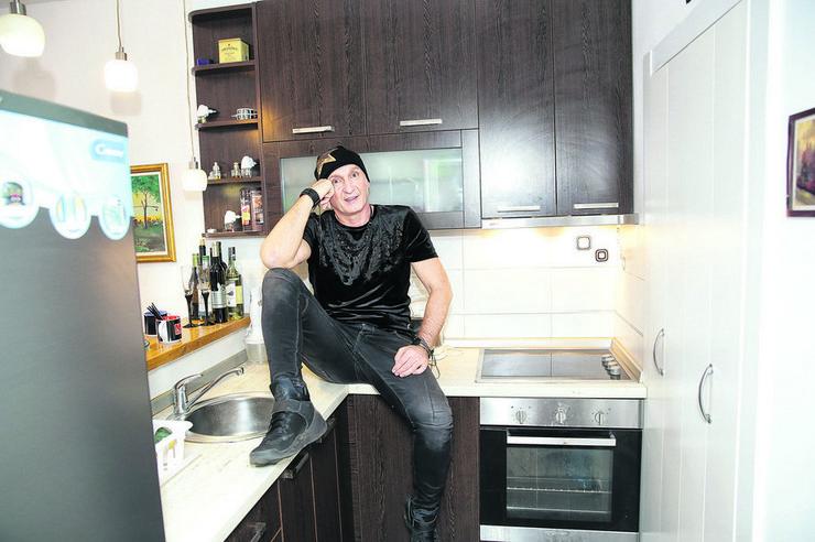 Miki Mećava uživa u kuhinji