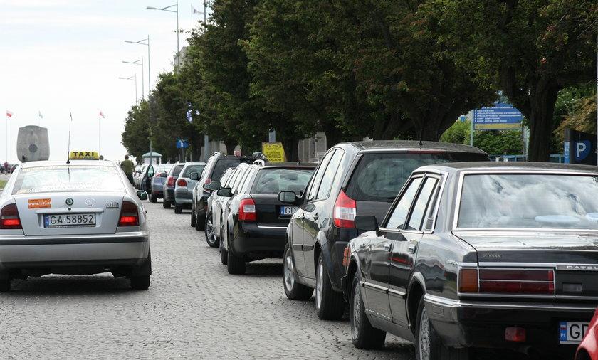 Mniej miejsc parkingowych na Skwerze Kościuszki