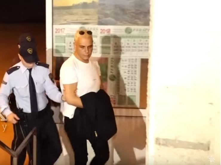 NOVI DETALJI SKANDALA Policija pretresla stan uhapešnog Bokija 13 i EVO ŠTA SU TAMO PRONAŠLI