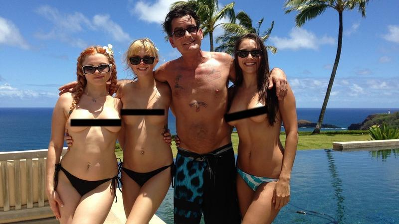 Od lewej: Jayme Langford, Jana Jordan, Charlie Sheen, Celeste Star