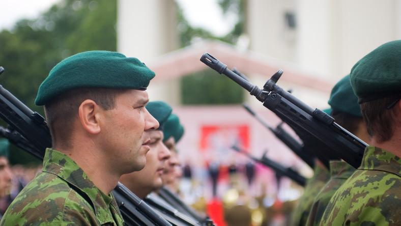 Litewska armia w stanie podwyższonej gotowości bojowej. Przez Rosjan