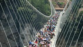 Najwyższy szklany most na świecie został zamknięty z powodu tłoku