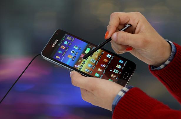Decyzja o całkowitym wstrzymaniu produkcji nastąpiła po ostatnich doniesieniach o zapaleniu się telefonów.