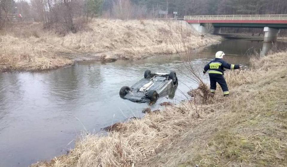 Nie żyje 18-letni Dawid. Samochód, którym kierował młody sportowiec wpadł do rzeki