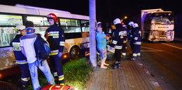 24 osoby ranne. Ciężarówka wjechała w autobus