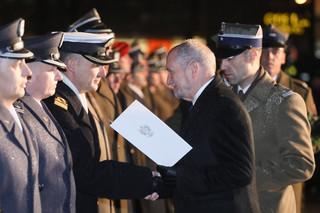 Antoni Macierewicz wręczył nominacje i odznaczenia w przeddzień święta niepodległości