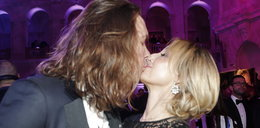 Namiętny pocałunek na Balu Dziennikarzy! ZDJĘCIA