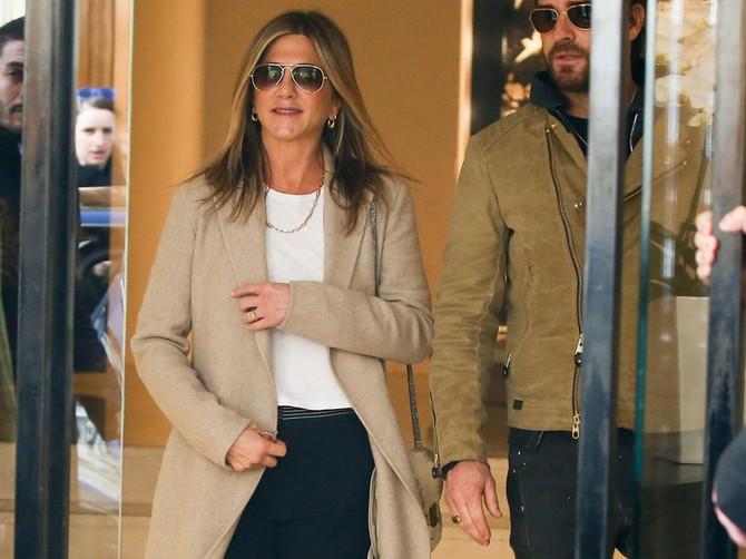 Ni Dženifer nije odolela HIT pantalonama: TRENERKE se vraćaju, ali nije ono što očekujete!
