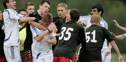 Polscy piłkarze walczą na pięści